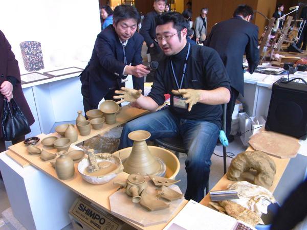 -EVOLVING JAPANESE CRAFTS- ふれる、感じる 伝統的工芸品展  進化するJAPAN VALUE ~結城紬・笠間焼・真壁石燈籠~