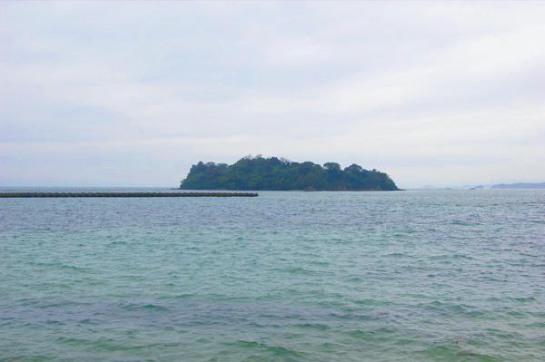 海に浮かぶ神島【スーベニアプロジェクト】タビモノ 2011:熊野 vol.4 「熊野を感じる」