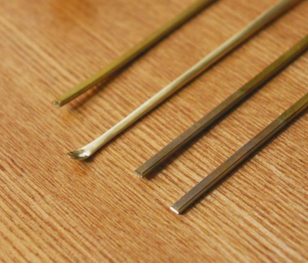 真鍮の耳かき【スーベニアプロジェクト】タビモノ 2011:東京 vol.02 「金澤友里恵さんの耳かき『JIJI』」